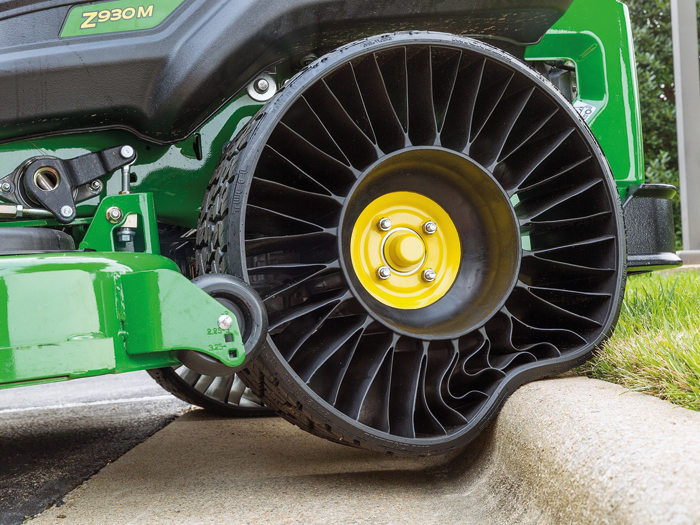 Michelin-Tweel-Airless-Tires-by-Michelin1.jpg