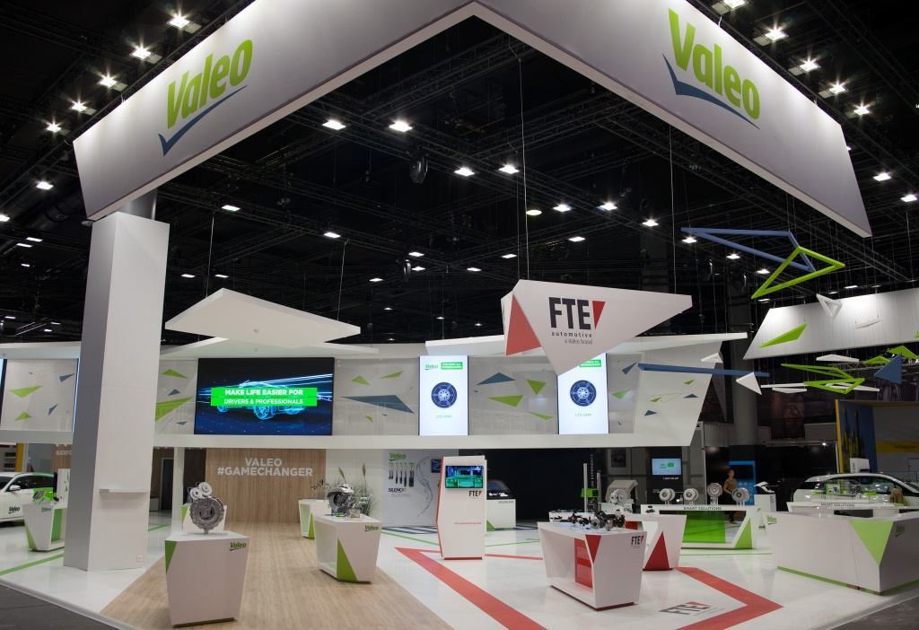 AM18 Valeo Main Booth External Use 001 (1).jpg
